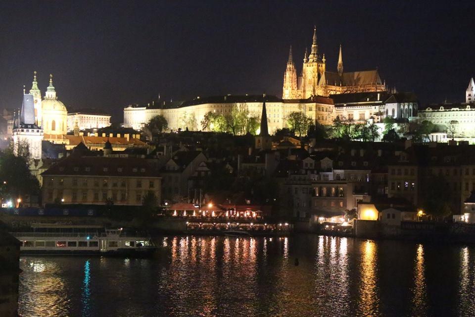 Prague la nuit